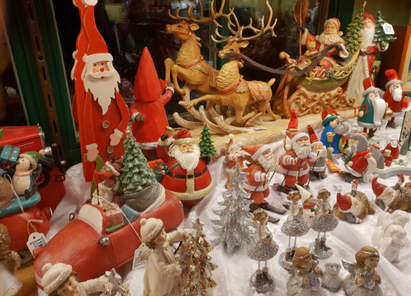 Christmas Market breaks by air - traditional Christmas decorations