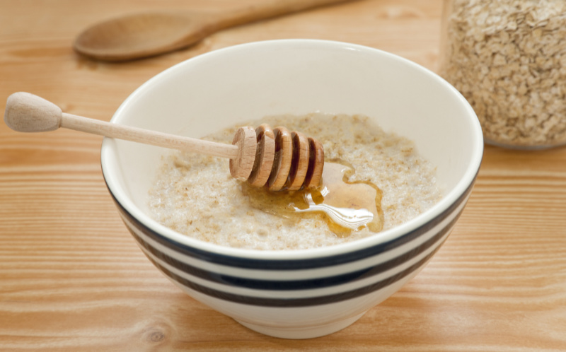 A bowl of porridge with added honey – a possible insomnia cure