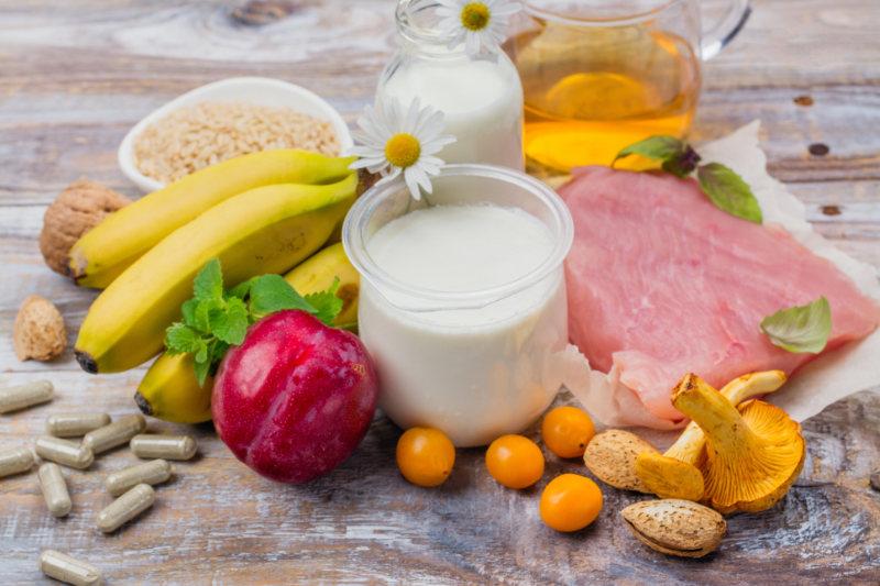 Foods rich in tryptophene and melatonin.
