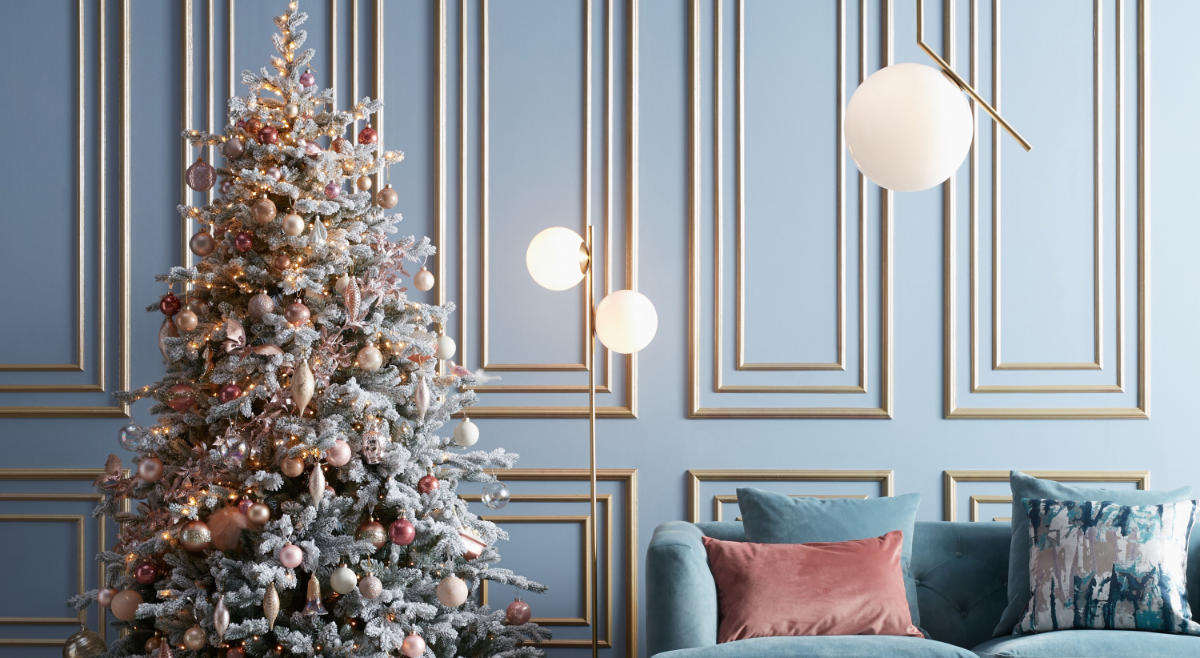 How To Decorate Your Christmas Tree 3 Stunning Colour Schemes