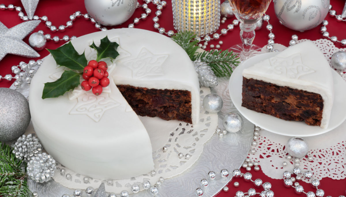 Make The Perfect Fruit Cake Top Tips From Royal Baker Fiona Cairns