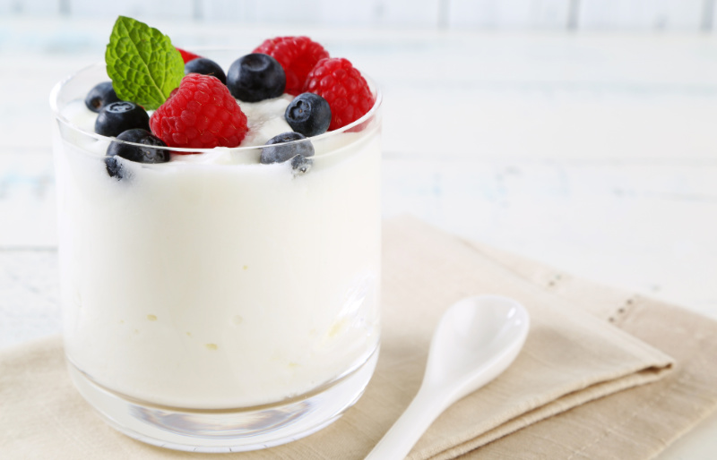 Cut back on sugar healthy alternatives yogurt and fruit