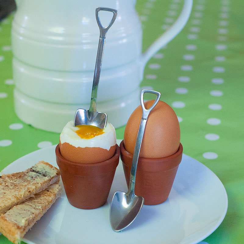 Breakfast for gardeners with these charming egg cups (Suttons/PA)
