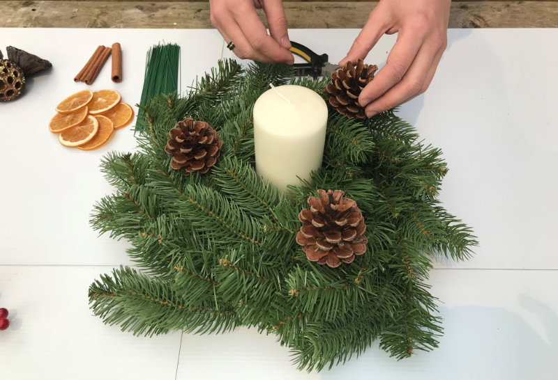 Christmas candle centrepiece rough outline