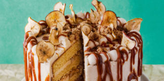 Toffee apple crumble cake