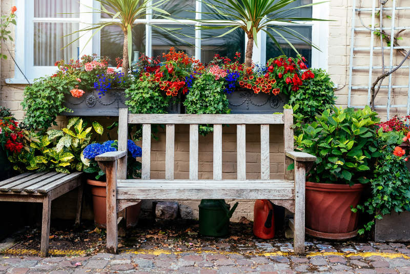 Front gardens help make friends Seating areas provide a social space