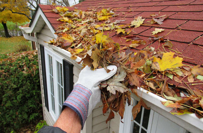 Sell your home fast clean the gutters