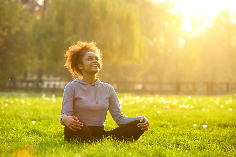 What are mindful breathing exercises?