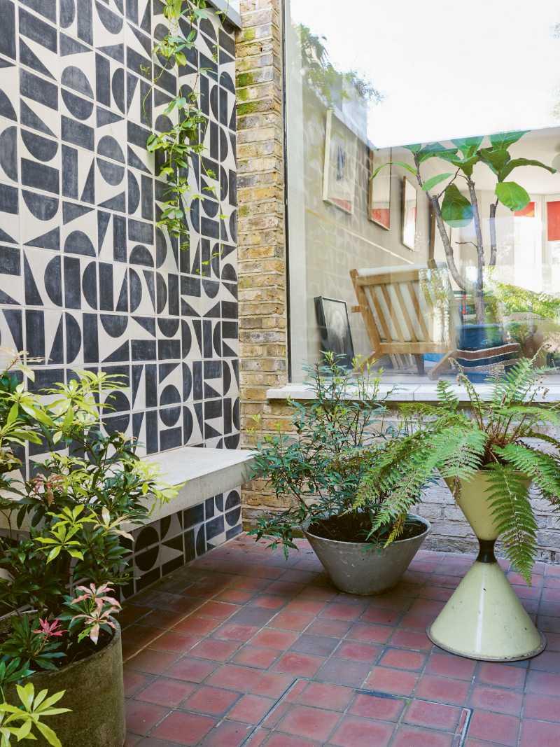 Balcony garden ideas mediterranean