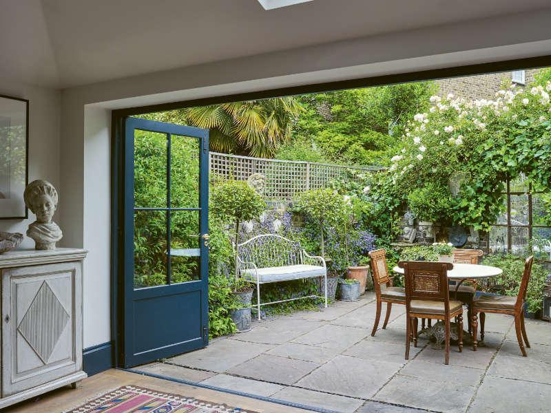 Balcony garden ideas romantic patios