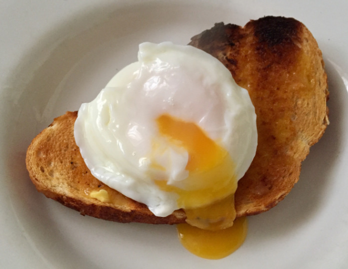 Poached egg in toast