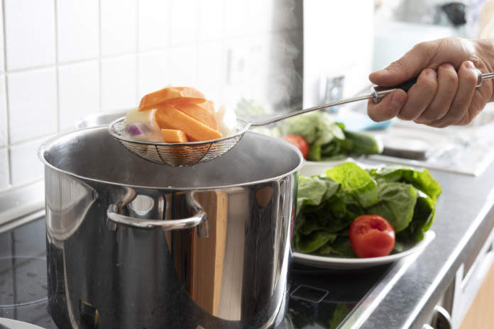 Blanching vegetables in large cooking pot