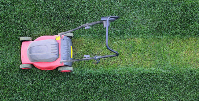 Summer lawn tips - mowing (Thinkstock/PA)