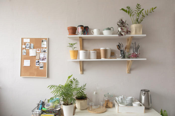 How to fit a shelf to a wall - why do it
