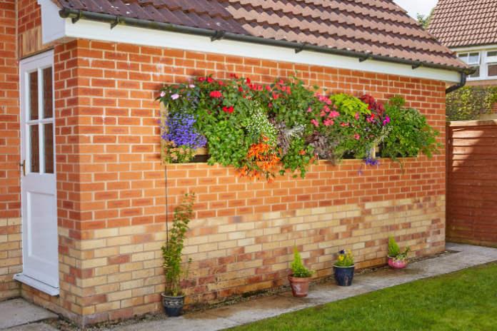 Colour up bland walls (Irrigatia/PA)