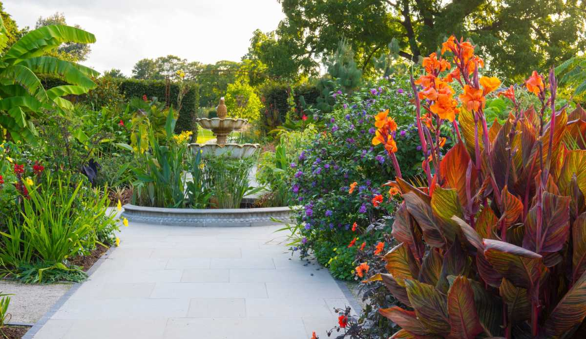 How To Create A Tropical Garden To Feel Like You Re On Holiday