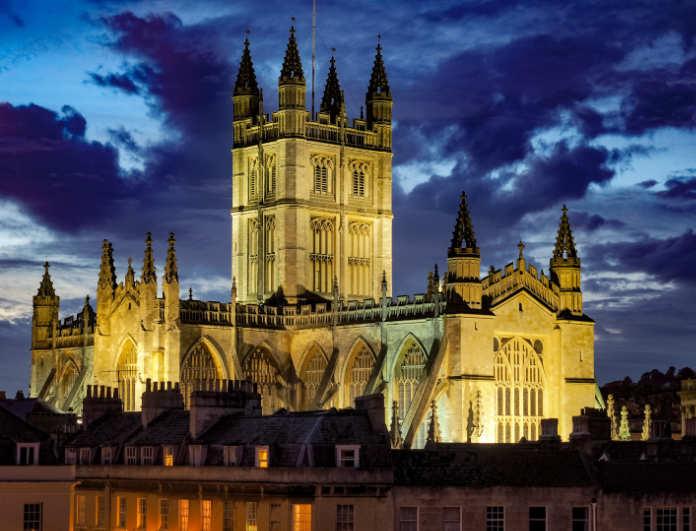 The Abbey Church of Saint Peter and Saint Paul (aka Bath Abbey) at night