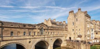 Pulteney Bridge and Weir on the River Avon in the historic city of Bath in Somerset, England
