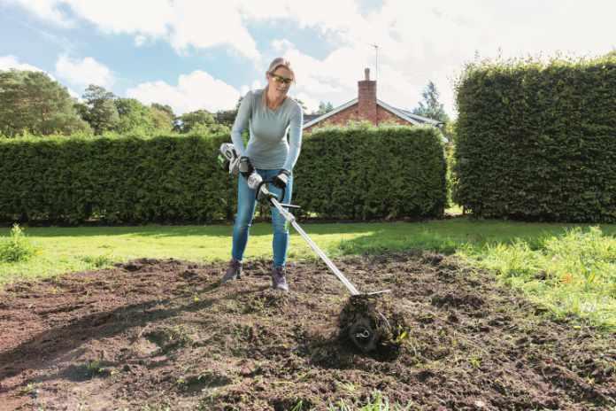 Cutlivating soil
