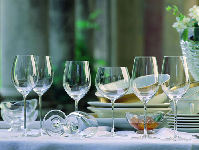 Choose the correct wine glass