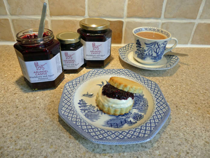 Blackberry jam cream tea