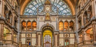Amazing train stations worldwide