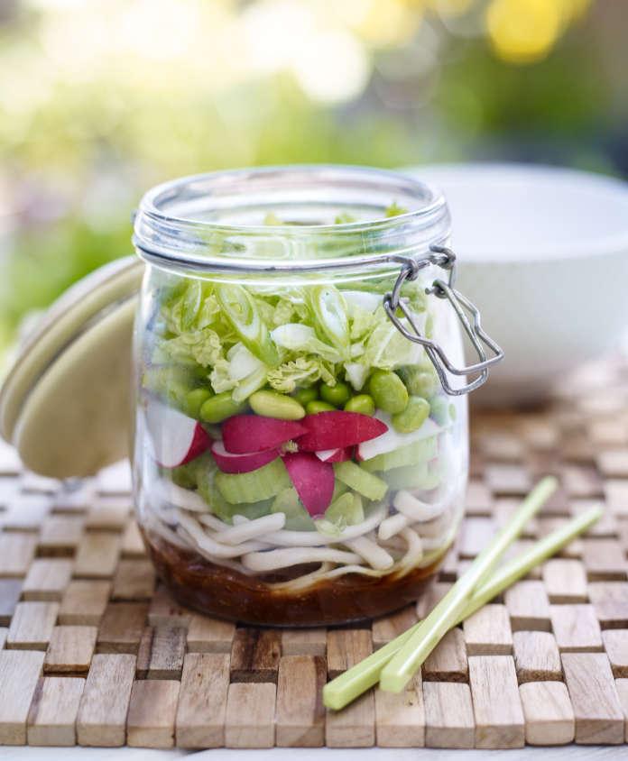 Crunchy Asian kilner jar salad