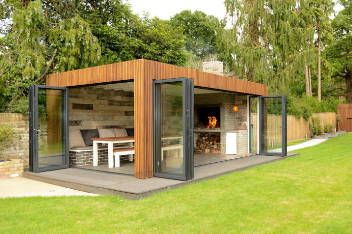 Outdoor living garden room