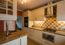 How to oil a wooden kitchen worktop