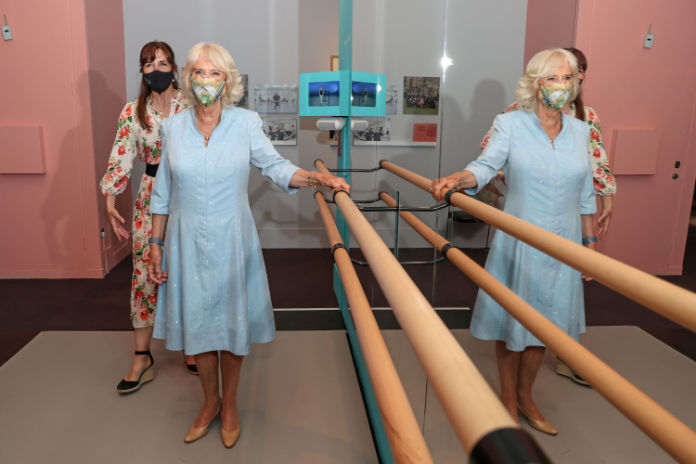 The Duchess of Cornwall and Dame Darcey Bussell posing at a barre