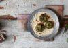 Spinach kofta with creamy almond-onion curry