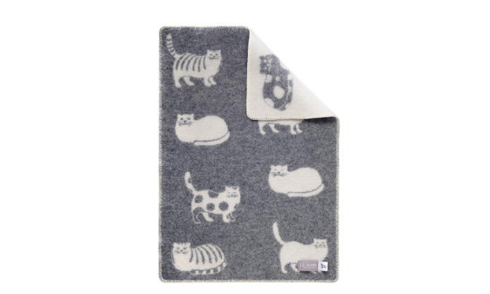 J.J. Textile Cat Little Blanket, how to stop cats from scratching furniture