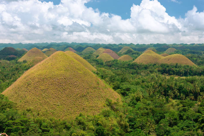 Chocolate Hills famous rock formations
