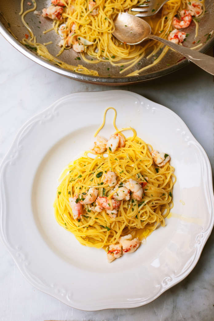 fresh capelli d'angelo with prawns and lemon