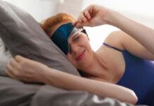 A women experiencing good sleep hygiene