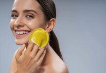 A women exfoliating her skin