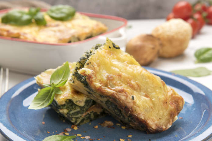 Spinach lasagna made with spinach and bechamel sauces with fresh ingredients